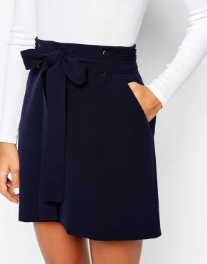 article bombers fleurie mini jupe